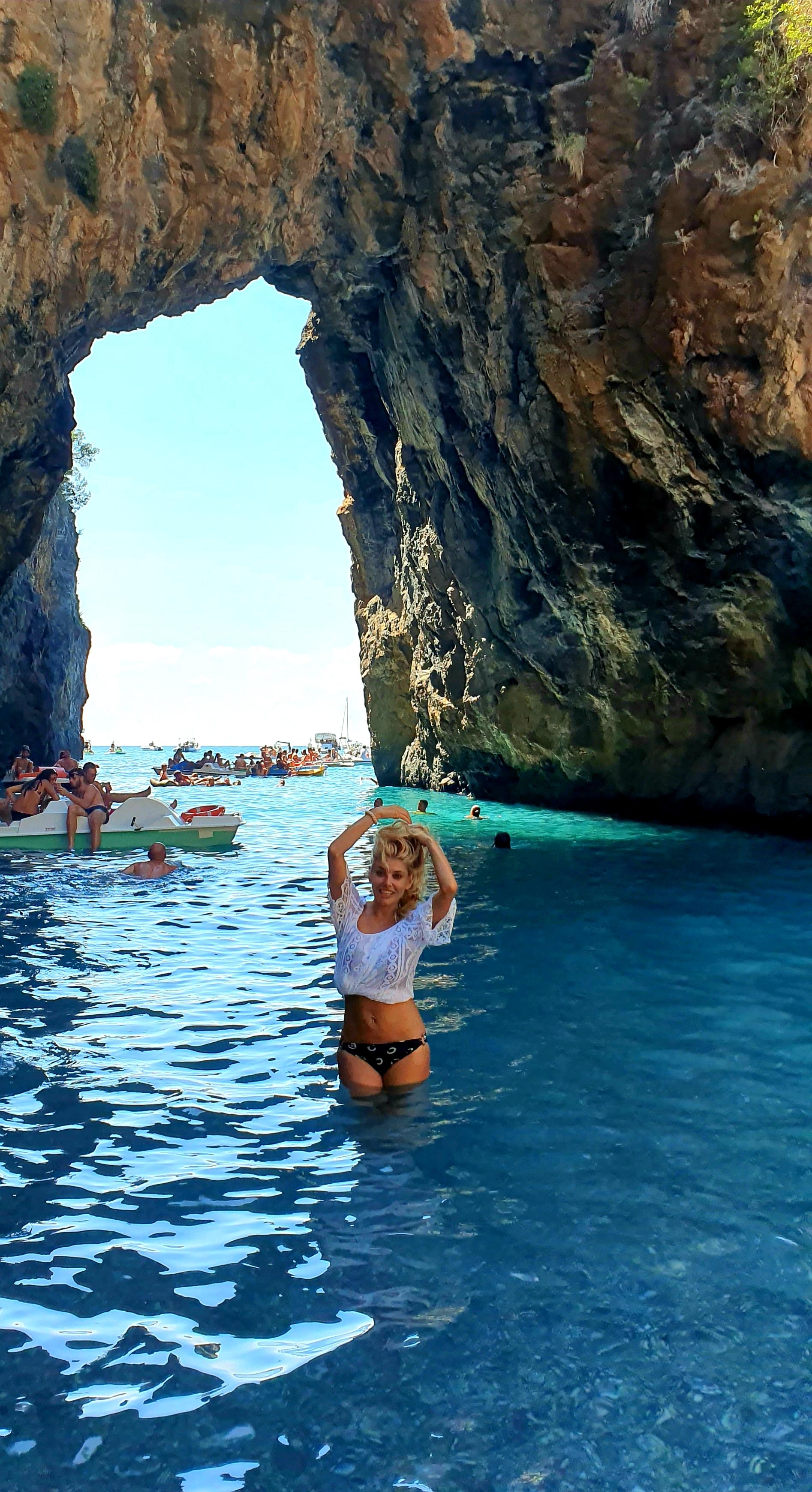 Феноменът Arco Magno в Сан Никола Арчела и красивите плажове в Южна Италия – Порто Чезарио и Пунта Прошуто